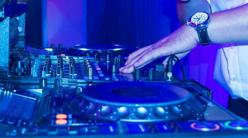 DJ für Hochzeit oder Geburtstag
